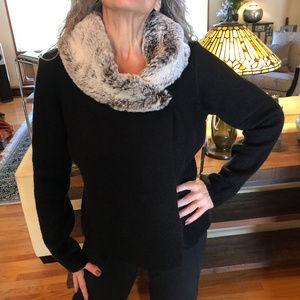 NWT Cynthia Rowley Sweater Faux Fur Collar sz L